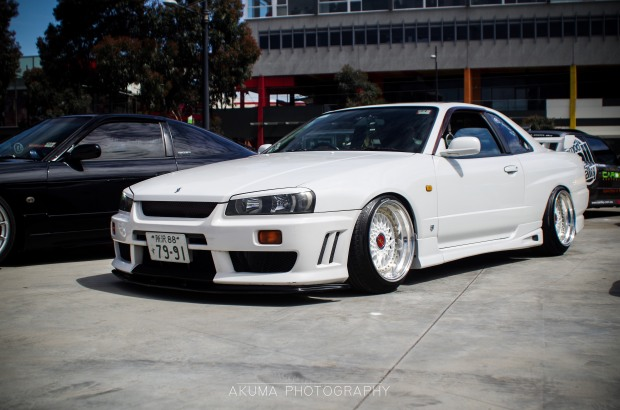 This R34 is so clean yet so simple!!