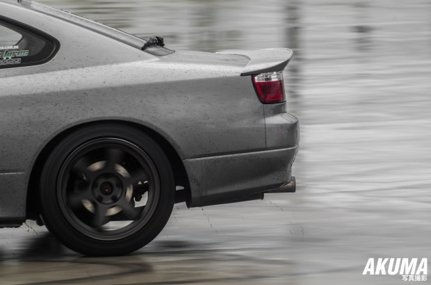 Weather was altering throughout the day, rain with sunny breaks..guys on the skid pan during motorkhana were enjoying the rain..but I don't know about the photographers! :/